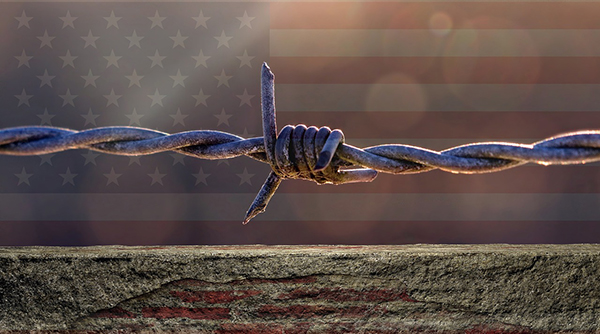 US border barbed wire-600