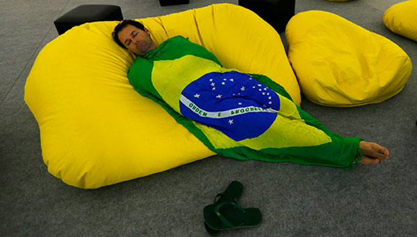 Brazil-flag-sleeping-2017-R-600