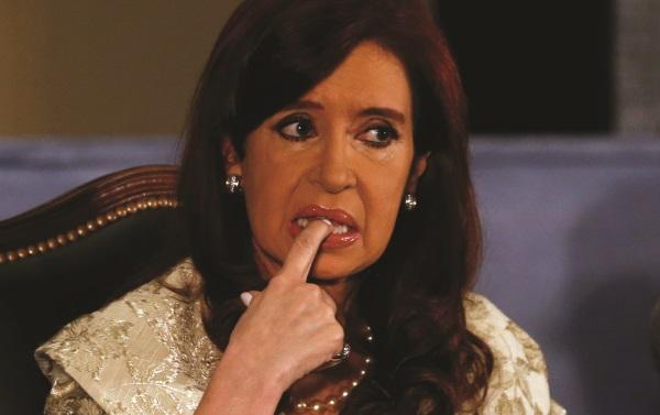 Cristina Kirchner-R-envelope