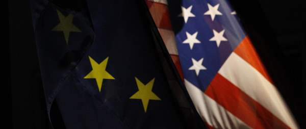 EU US flags envelope