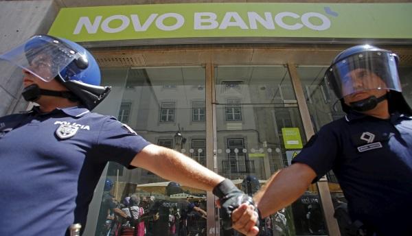Novo Banco police-R-600