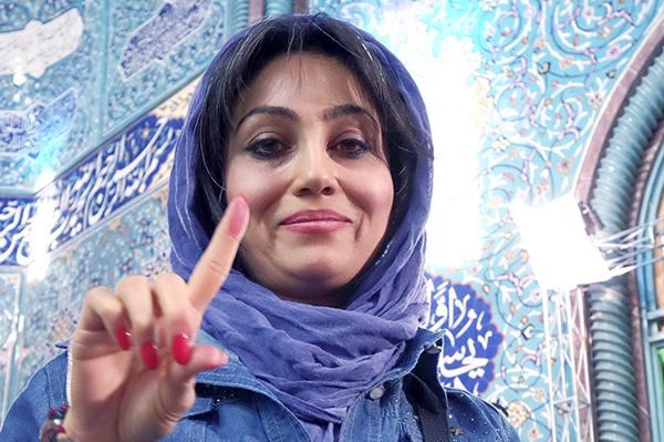 Iran election woman-R-600