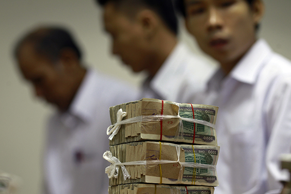 Myanmar money-600