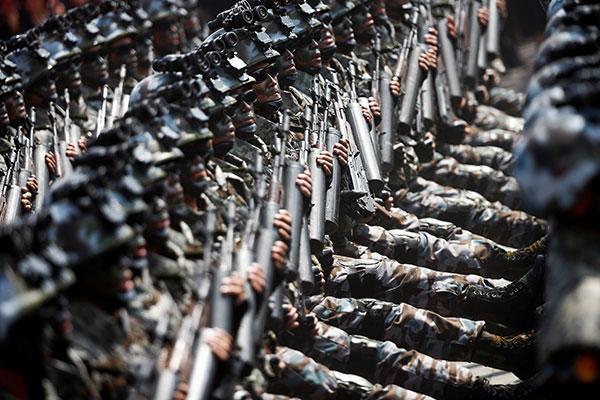 North-Korea-military-parade-R-600