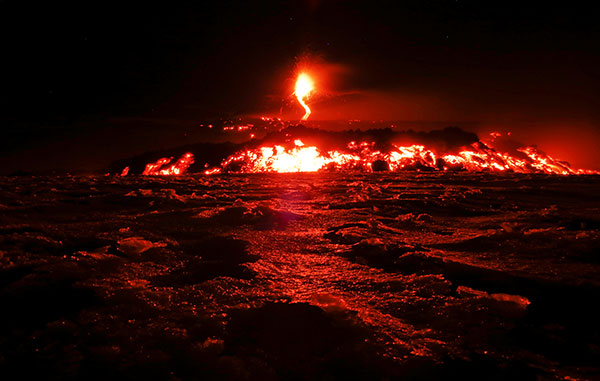 Mount-Etna-erupts-volcano-R-600
