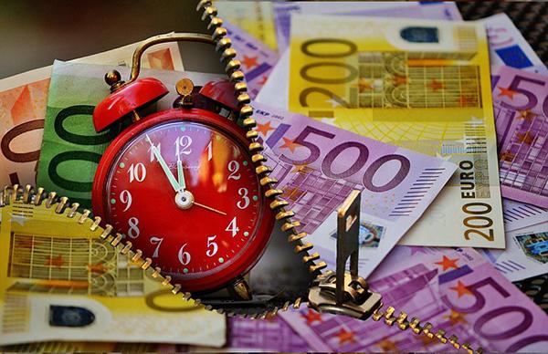 euros clock-600