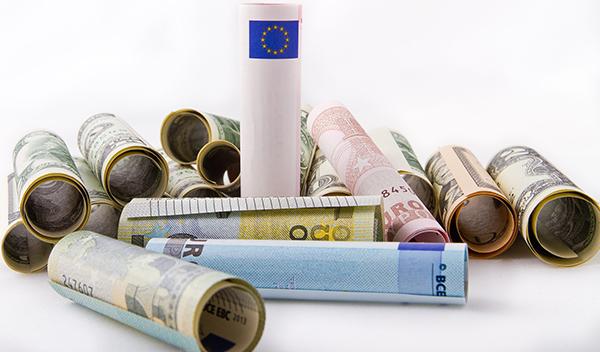 euro dollar rolls-600