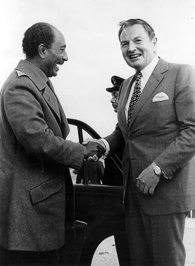 David Rockefeller_Anwar Sadat_Egypt_1974_400