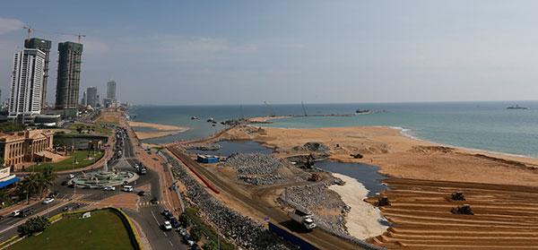 Colombo-port-Sri-Lanka-R-600