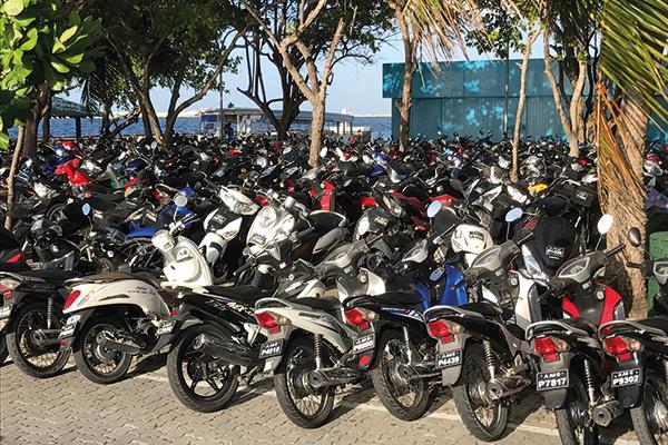 Maldives-motorbikes-600