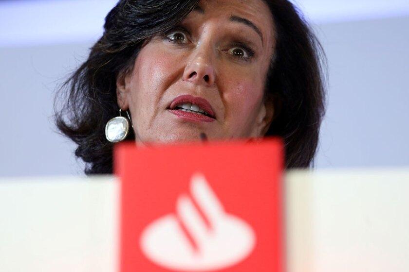 Ana-Botin-podium-Santander-R-780.jpg