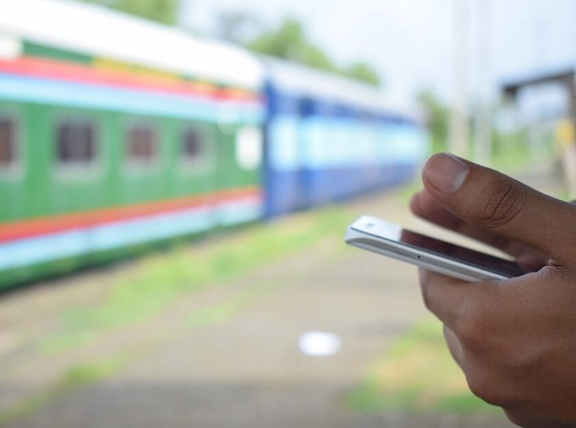 train-mobile-780