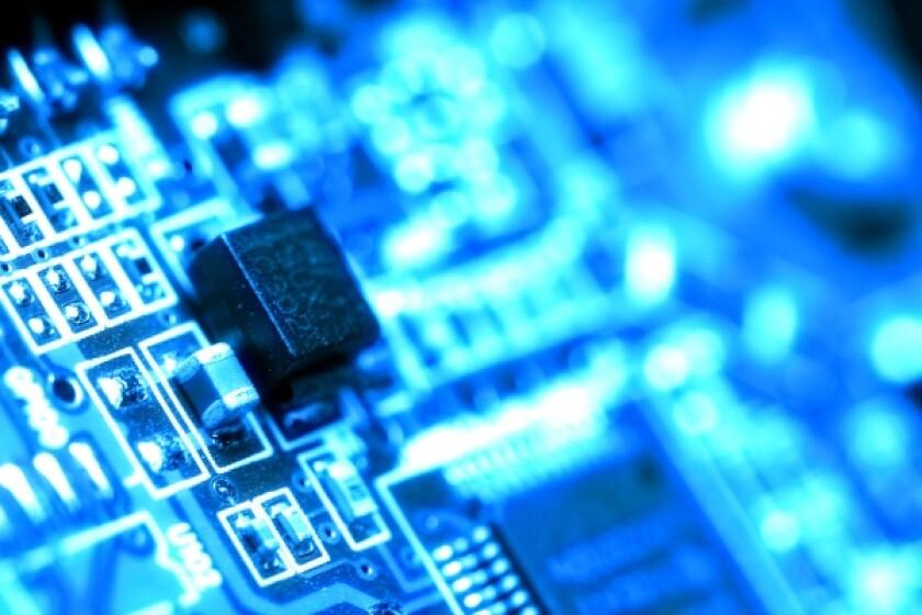 circuit blue-600