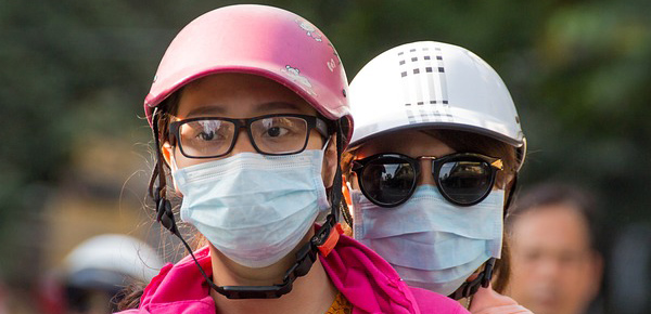 scooter mask pollution asia-600